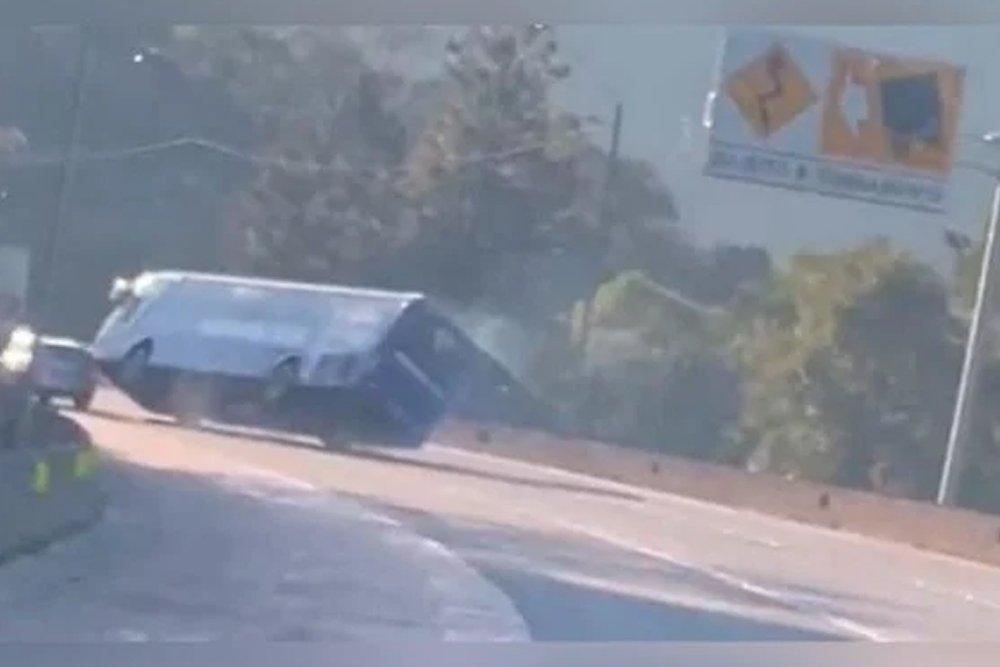 Ônibus com time de Futsal tomba e deixa dois mortos no Paraná | Rápido no Ar
