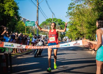 Vencedora entre as mulheres foi a atleta Kleidiane Barbosa Jardim do município de Itatiba, da equipe Top Training Team, com o tempo de 25m 50. Foto: Divulgação